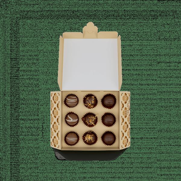 Ornament Schachtel gold offen.png