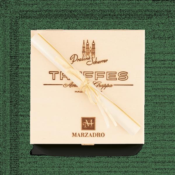 Amarone Grappa Truffes Schachtel mit Bri